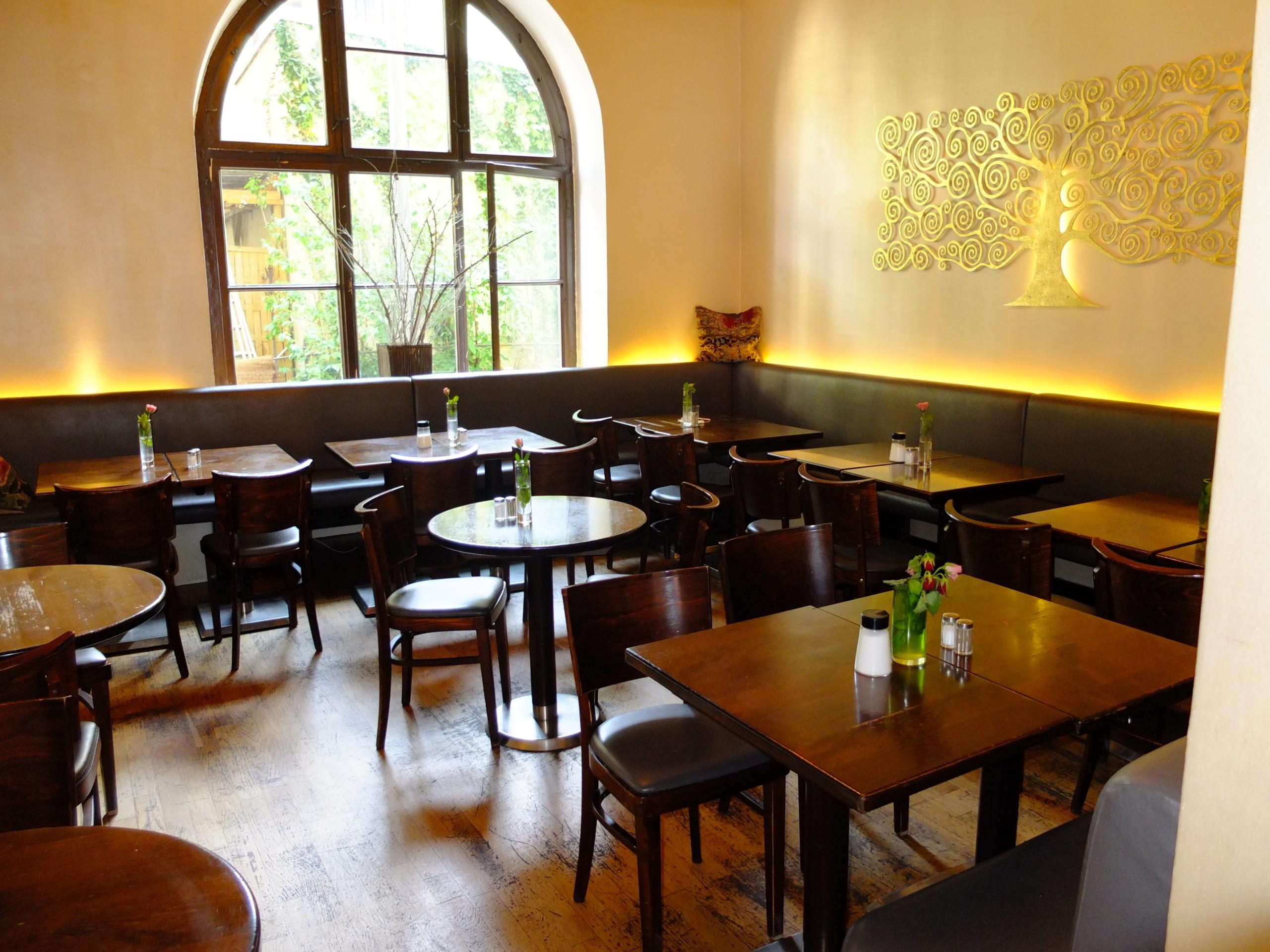 Cafe Altschwabing M Ef Bf Bdnchen