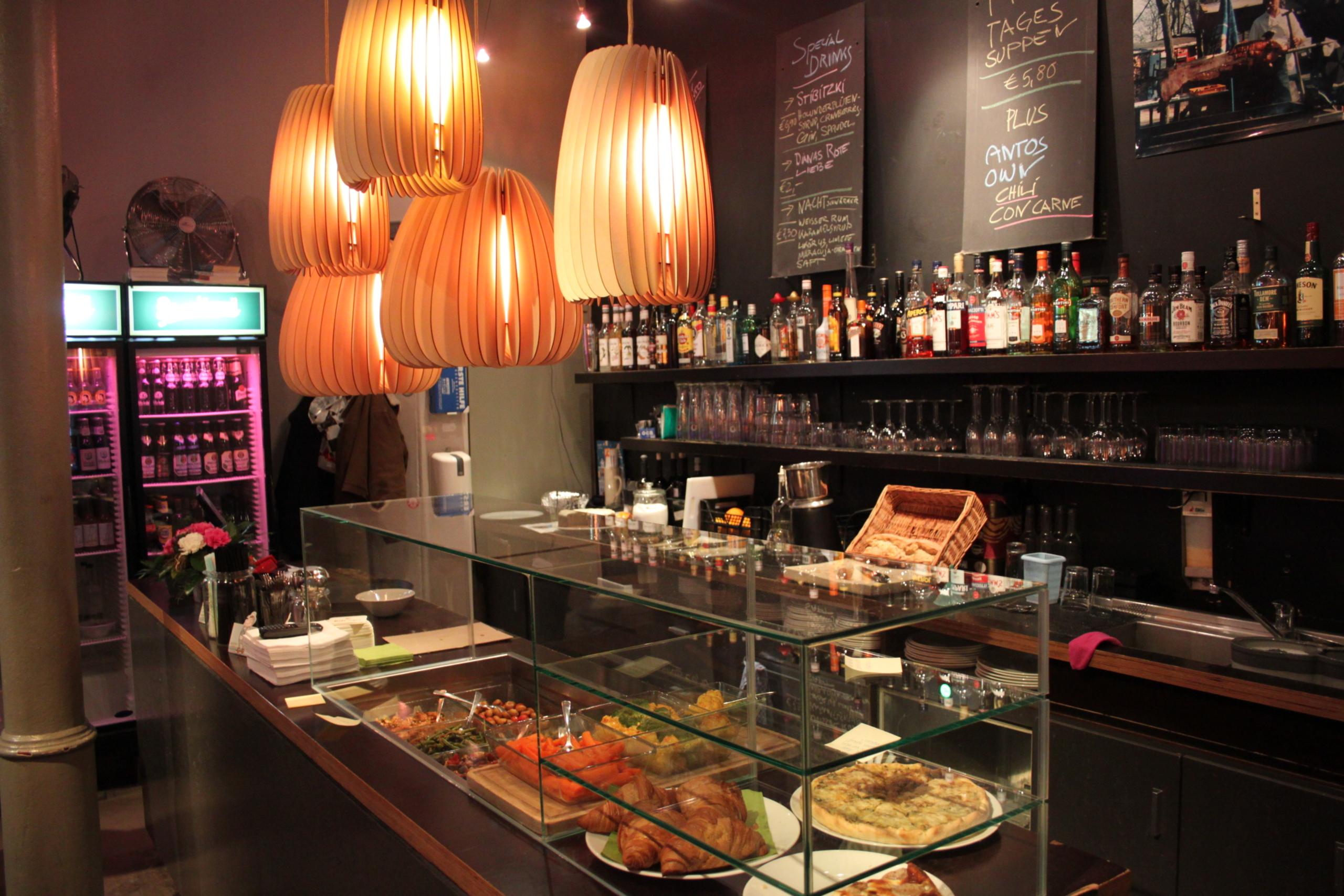 colestreet caff bar gallery ffnungszeiten beckergrube in l beck. Black Bedroom Furniture Sets. Home Design Ideas